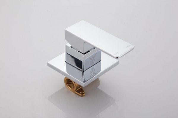 square shower bath mixer